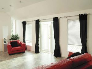 Venetian Blinds roomset with red sofa
